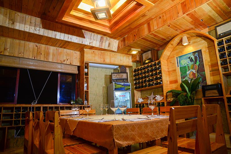 Thưởng thức rượu vang thượng hạng cùng combo 05 món dành cho 04 - 05 khách - AGA Steak House
