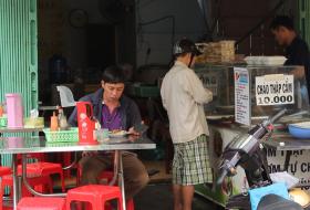 Người Sài Gòn có ai từng đến phố ăn chay hơn 40 năm - ảnh 3