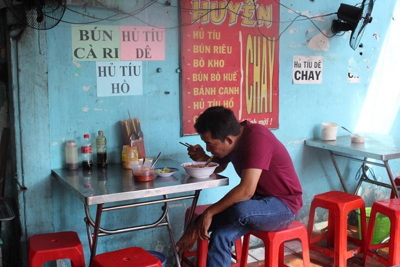 Người Sài Gòn có ai từng đến phố ăn chay hơn 40 năm - ảnh 6